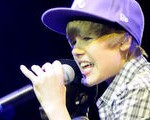 Justin Bieber, Drake team up on stage